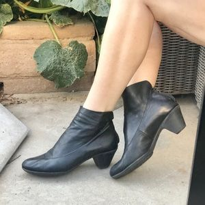 LILIMILL soft LEATHER boots BOOTIES low heels 10
